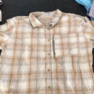 Columbia XL shirt